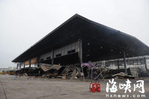 一场大火 福州海峡蔬菜批发市场48家店被烧毁