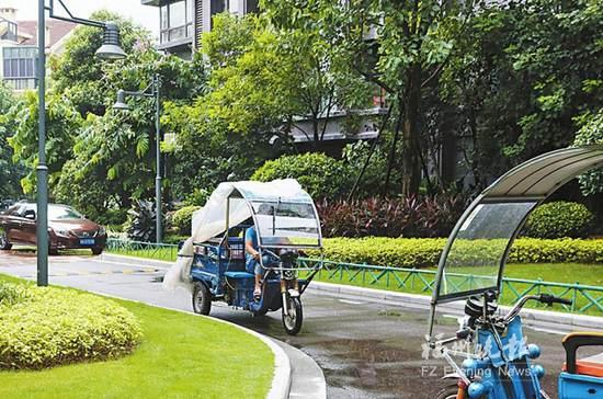 三岁男童遭电动三轮车撞击身亡 限速标志成摆设