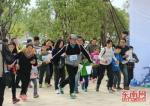 12月2日,福建500多名定向运动爱好者聚福州牛岗山参加比赛。本网记者 郑思楠 摄 - 福建新闻