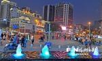 春节假期,东街口商圈人气旺。记者郑帅 摄 - 新浪