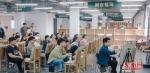 一个大班有20多名参加美术高考的学生 - 新浪